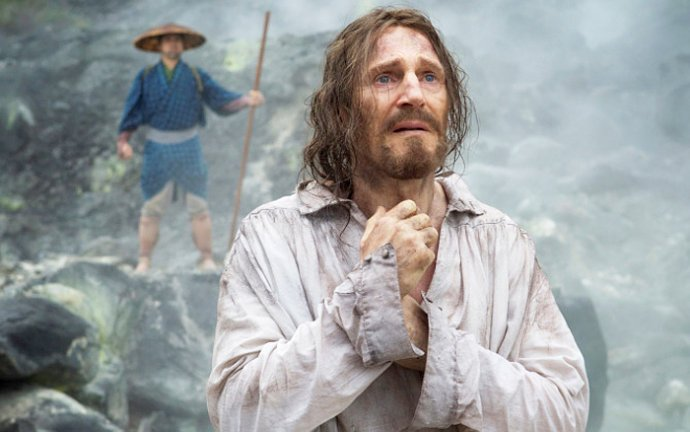 first-photo-of-liam-neeson-in-silence